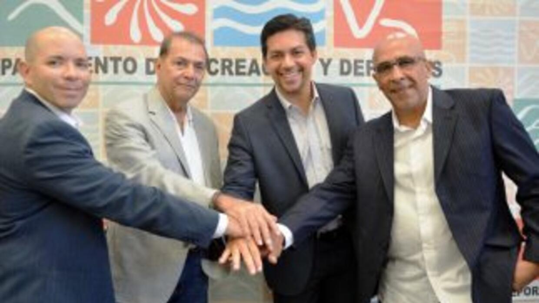 René Balloveras, Mako Oliveras, Ramón Orta y Edwin Rodríguez, en el lanz...
