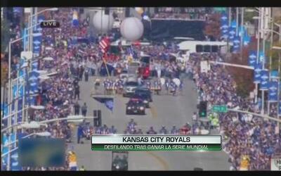 Los Reales de Kansas City fueron recibidos por miles de aficionados