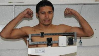 González cumplió con el prepesaje ordenado por el CMB (Foto: Facebook)