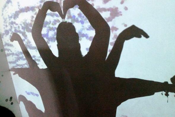 Somos una gran sombra gigante llena de amor, eso es lo que hace tener a...