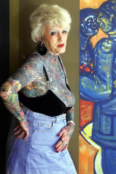 Briton Isobel Varley, de 69 años, parece sacada de un cómic. Es la mujer...