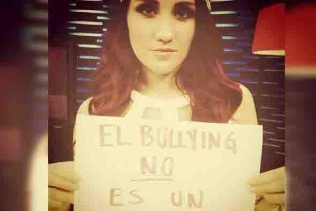 Otra más de la cantante Dulce María. Foto tomada de Twitter.