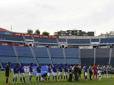 En un Estadio Azul vacío por el castigo impuesto a la afición, el Cruz A...