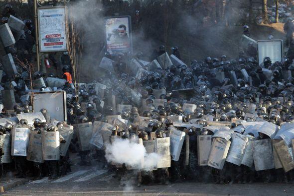 El Ministerio de Interior, a su vez, cifra sus heridos en 349 agentes ho...