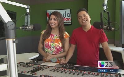 """""""En El Mix"""" con Danny Luna y Vanessa Abuchaibe - Lunes 3/14/16"""