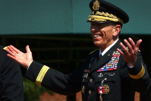 9 de noviembre. El general retirado de cuatro estrellas, David Petraeus,...