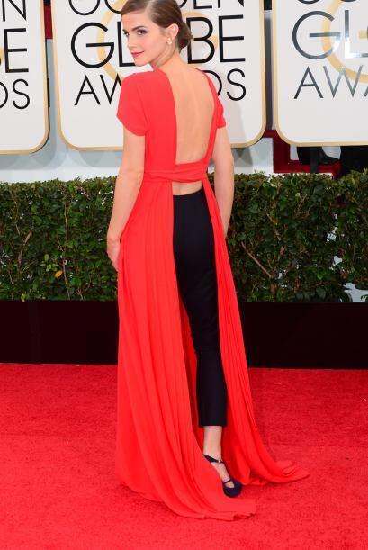 El vestido podría parecer un clásico pero su encanto lo lleva en la part...