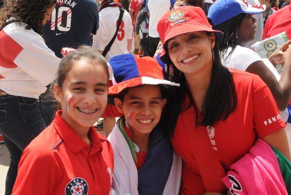 El fútbol es un deporte de alegría para disfrutar en familia.