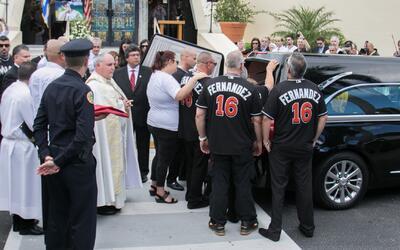 Emotiva despedida le da Miami a uno de sus ídolos deportivos, el beisbol...