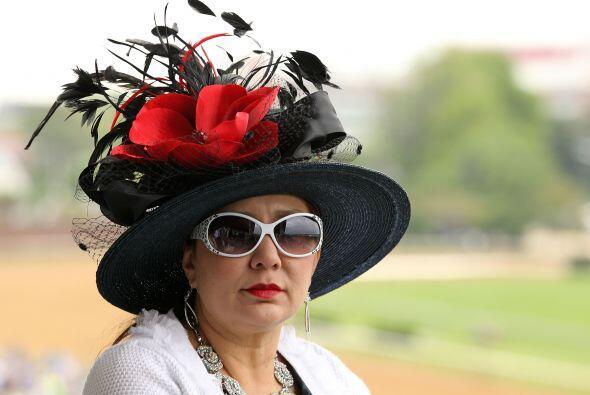Elegir el mejor sombrero debe ser una gran tarea...
