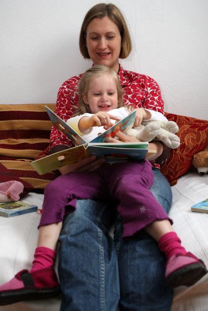EXAGERA - Pierde tus inhibiciones cuando le estés leyendo a tu hijo. Rug...