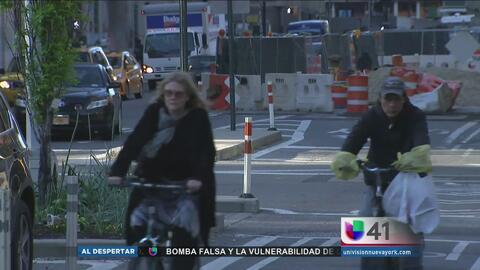 Autoridades de Nueva York multarán a quien invada los carriles para bici...