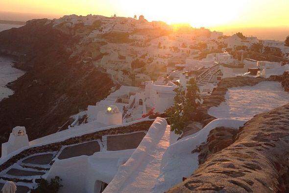 Santorini los recibió el 18 de agosto con este inigualable paisaje.