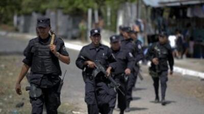 Policia El Salvador.