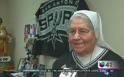 Un grupo de monjas salesianas pide a Dios por los Spurs