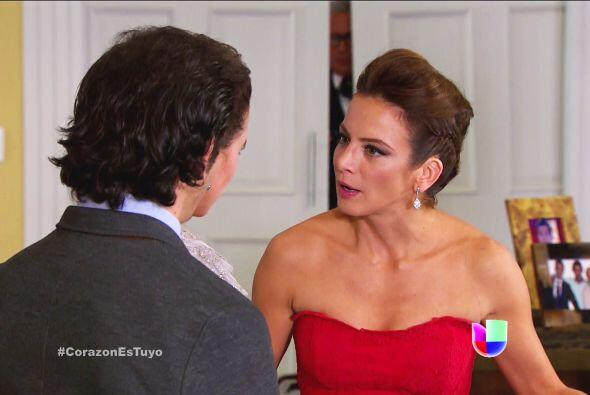 No Ana, no es una broma, tu peor enemiga está en la mansión.