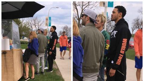 Justin Bieber comprando un raspado en Chicago