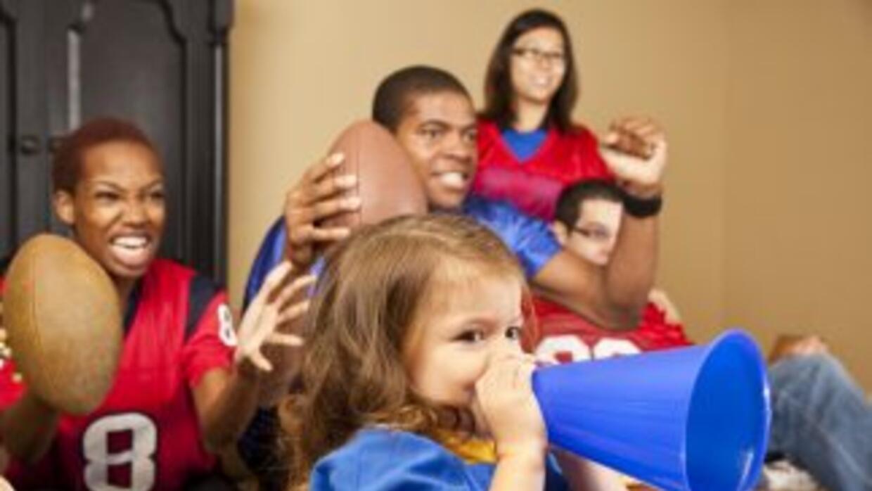 El Super Bowl se acerca y, para que tu hijo pequeño no se quede afuera,...