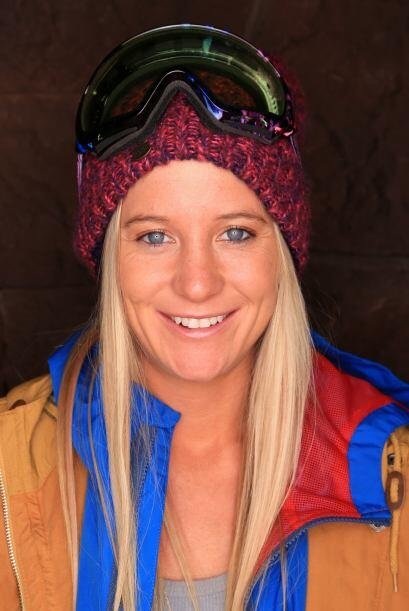 """92. HANNAH TETER Medallista olímpica de """"snowboarding""""."""