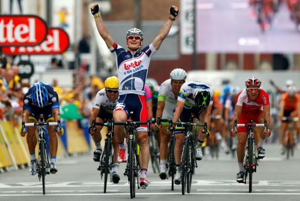 El alemán André Greipel (Lotto) ganó al sprint la q...