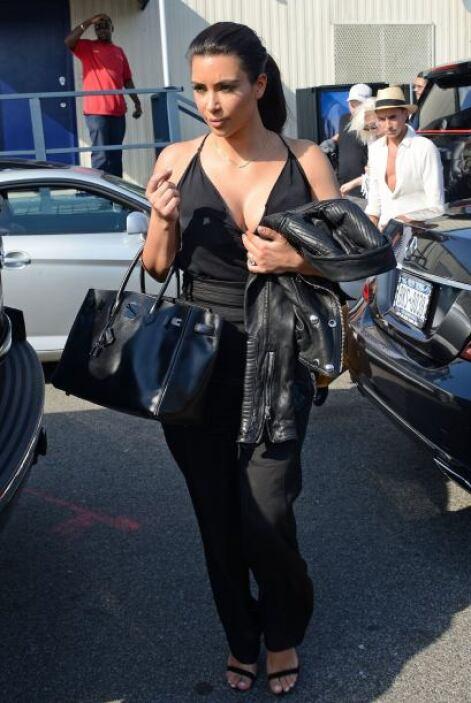 Las hermanitas Kardashian regresaron a bordo de un helicóptero. ¡Rápido!...