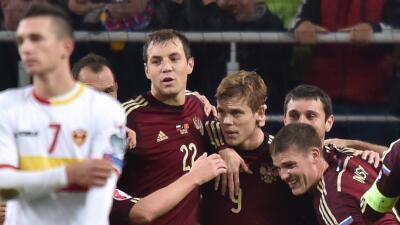 Rusia califica la Euro, Suecia a repechaje