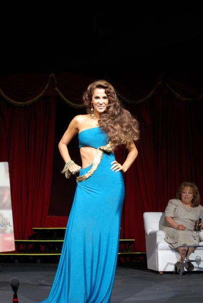 Ninel Conde como Aventurera se presentó en San José  | La exuberante y d...