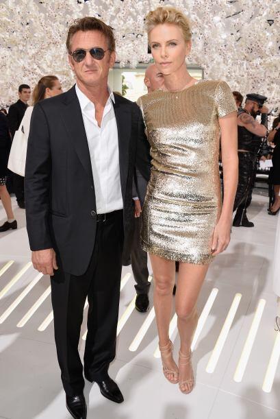 ¡Sean Penn y Charlize Theron aparecieron bien vestidos y listo par...
