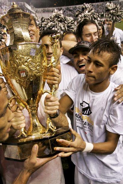 Neymar está en todas partes, ocurre que el Santos además de andar bien e...