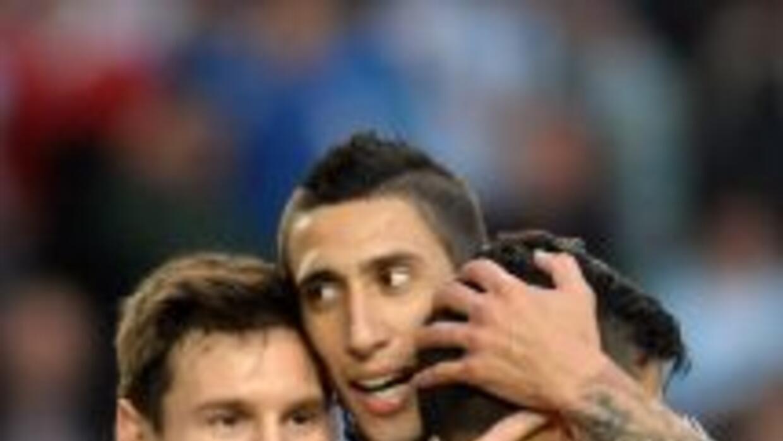 Messi no jugó completo, pero le bastó para anotar un gol.