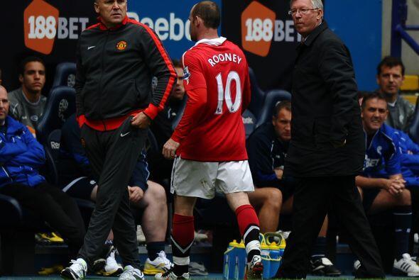 Wayne Rooney volvió a tener una actuación desafortunada y salió de cambio.