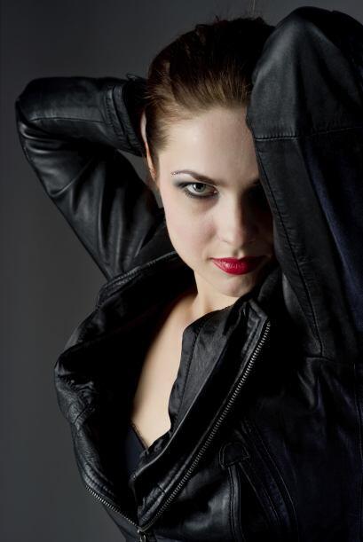Kristen Stewart en Twilight. Sé Bella Swan por una noche, aplicando en t...
