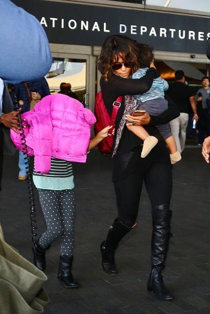 La actriz ganadora de un Oscar, ordenó a su hija mayor, Nahla, tapar su...