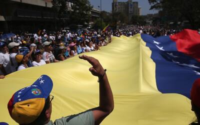 Gobierno de Nicolás Maduro responsabiliza a líderes opositores por incid...