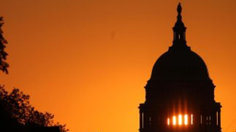 La política y la economía estadounidenses salen gravemente heridas pese...