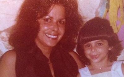 Lourdes Stephen abraza el recuerdo de su mamá todos los días