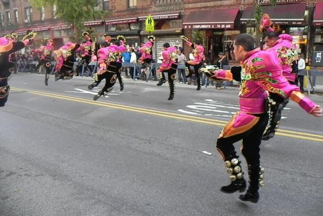 Primer desfile Boliviano de Nueva York 780e746da4ff4da4a5ddf1ac661595a9.jpg