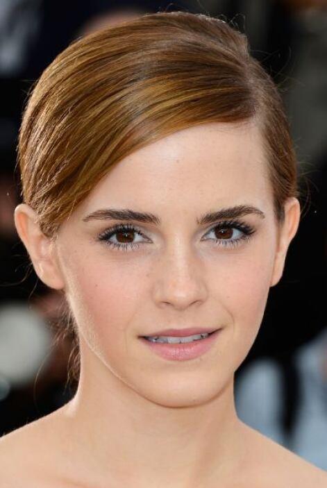De seguro la actriz rogaba por tener de nuevo el cabello largo para pode...