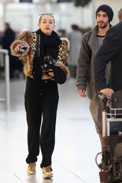 El último 'outfit' invernal que les traemos esta semana es el de Miley C...