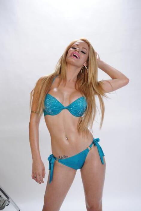 Como los balones y los bikinis parecen ser una buena combinación, Yilena...