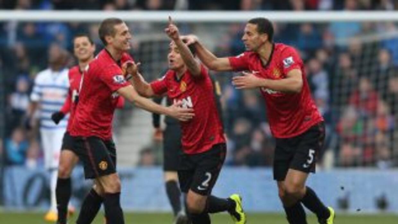 Rafael celebra el primer gol del Manchester United contra QPR.