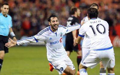 Matteo Mancosu celebra el primero de sus dos goles ante el United.