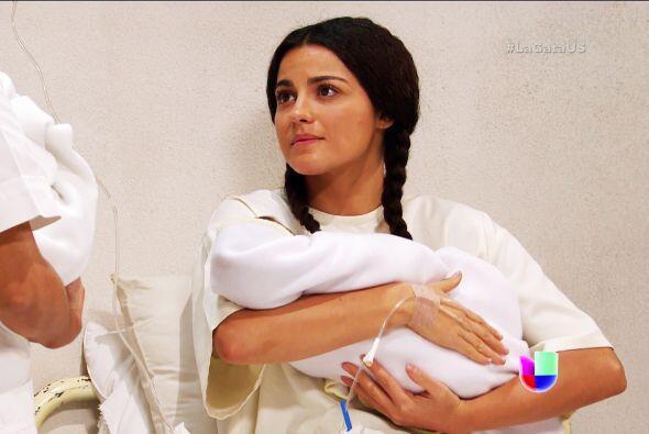 Y no sólo eso, Esmeralda trajo al mundo a dos bebitos. ¡Pablo no supo nada!