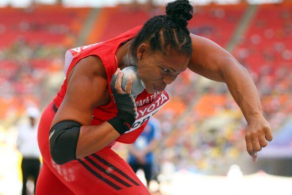 Cleopatra Borel le entregó a Trinidad y Tobago su segunda presea dorada...