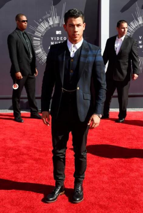 ¡Chicos! Aprendan a  Nick Jonas, así es cómo un galán seduce a todas las...