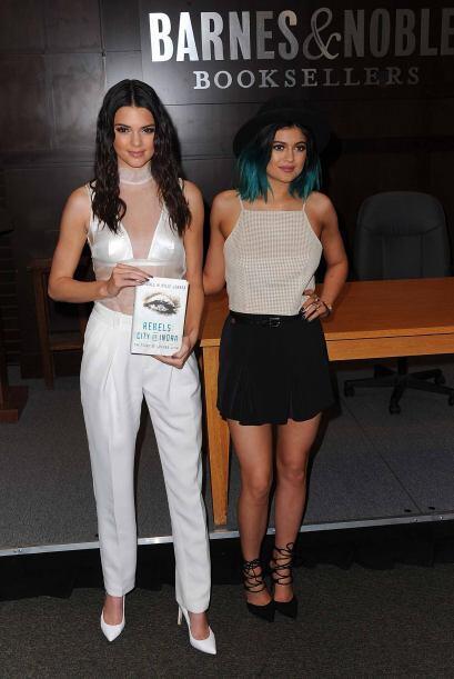Las hermanitas de Kim presentaron su nuevo libro, 'Rebels: City Of Indra...
