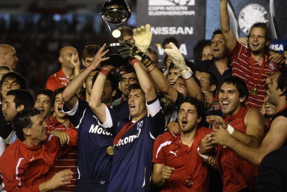 El segundo torneo de clubes en importancia de la región fue la Su...