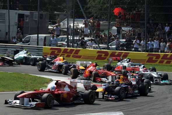 El alemán Sebastian Vettel ganó en Monza, cerca de Milán, el Gran Premio...
