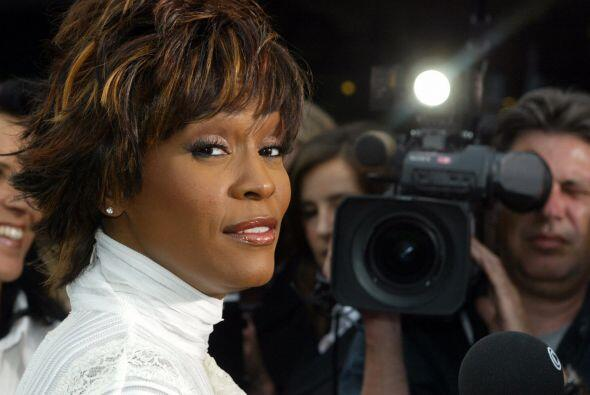 11 de febrero. Whitney Houston, 48 años. Cantante de músic...
