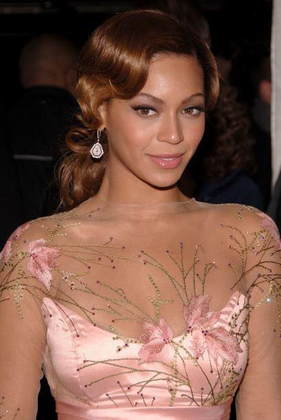 Aunque Beyoncé tenga una imagen sensual y energética, con este tocado cl...